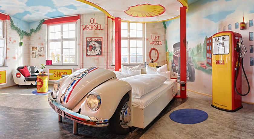 Photo of V8 Hotel