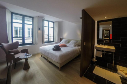 Grand Place Hotel