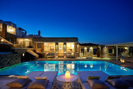 Leonis Summer Houses