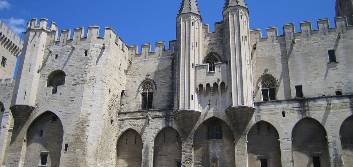 best places to stay in avignon france the hotel guru. Black Bedroom Furniture Sets. Home Design Ideas