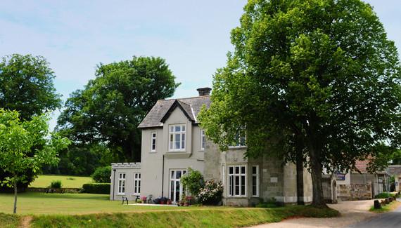 Photo of Castleman Hotel