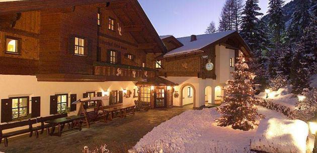 Photo of Hotel Uhrerhof-Deur
