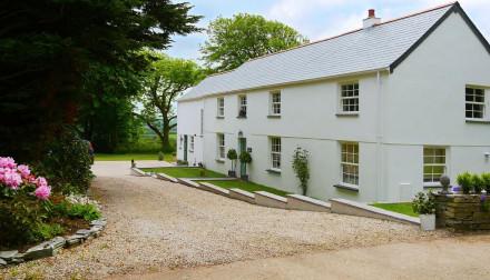 Caroe Farmhouse