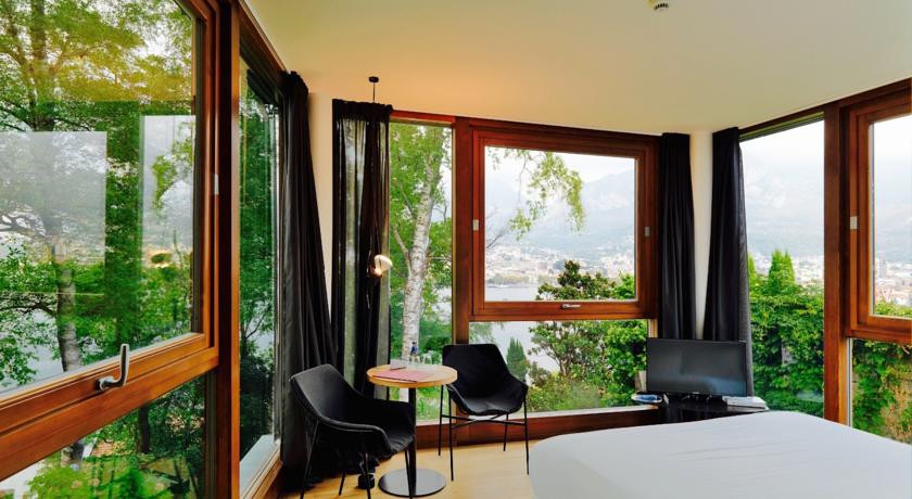 Casa sull 39 albero lake como italy discover book the for Casa albero italia