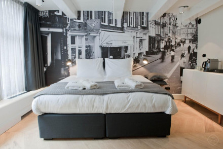 Hotel IX