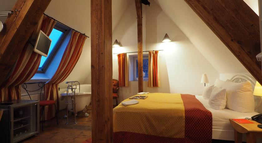 hotel drei raben nuremberg germany the hotel guru. Black Bedroom Furniture Sets. Home Design Ideas