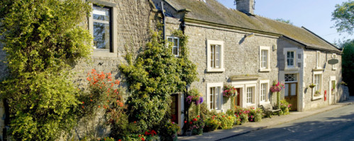 The George Hotel In Hathersgate Is A Great Choice For Relaxing Stay It S Five Hundred Year Old Inn With Award Winning Restaurant And Connections To