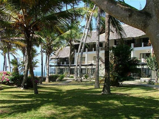 Photo of Hemingways Resort