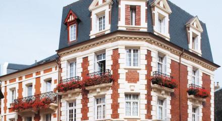 Le Fer a Cheval, Deauville