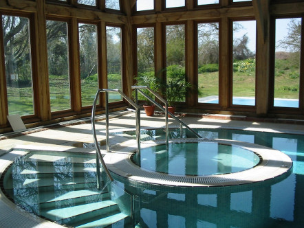 Uk hotels with hot tubs the ultimate guide the hotel guru for Appart hotel jacuzzi