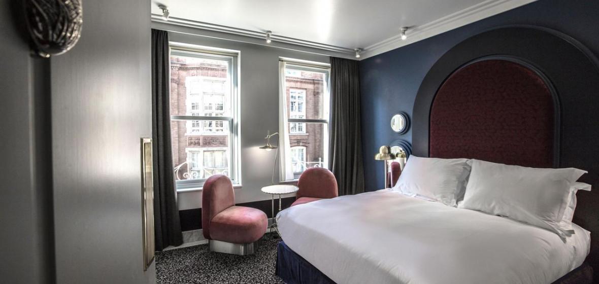 Photo of Henrietta Hotel