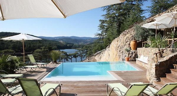 Perfect The Auberge Du Lac Is An Elegant, Lakeside Property With 12 Simple, But  Well Proportioned Rooms. Thereu0027s A Very Nice Infinity Pool And A Well  Regarded ...