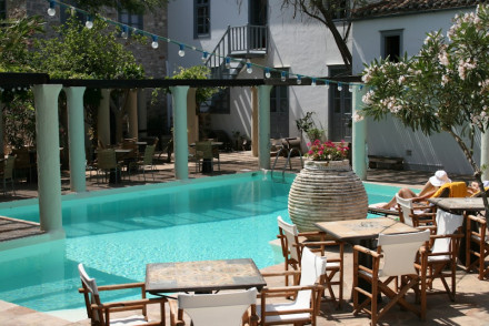 places to stay in hydra greece