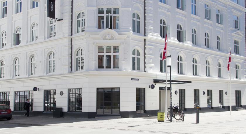 Photo of Absalon Hotel