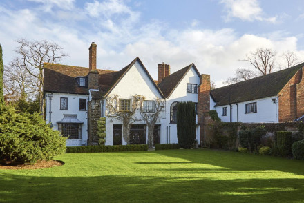 Harlington Manor