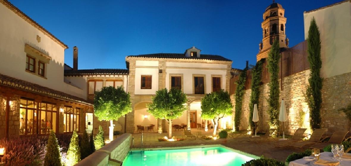 Photo of Hotel Puerta de la Luna