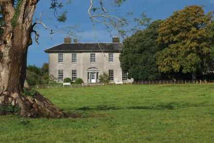 Mobarnane House