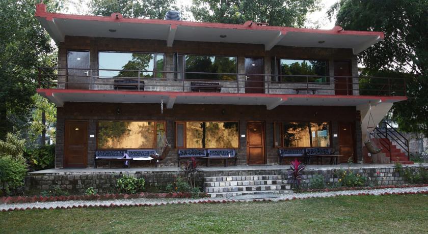 Photo of Corbett Riverside Resort