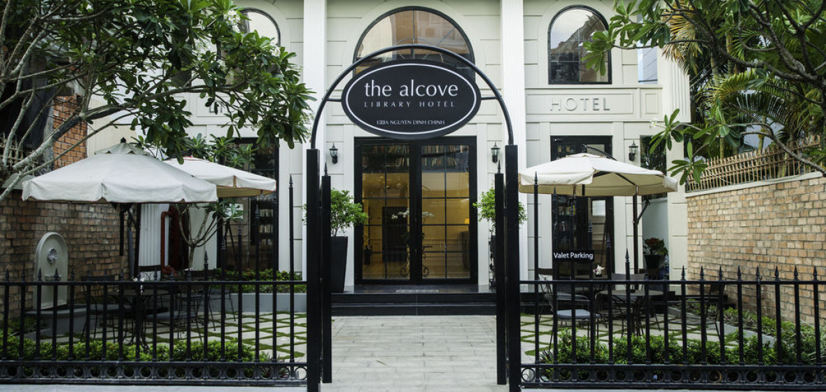 Photo of The Alcove Library Hotel