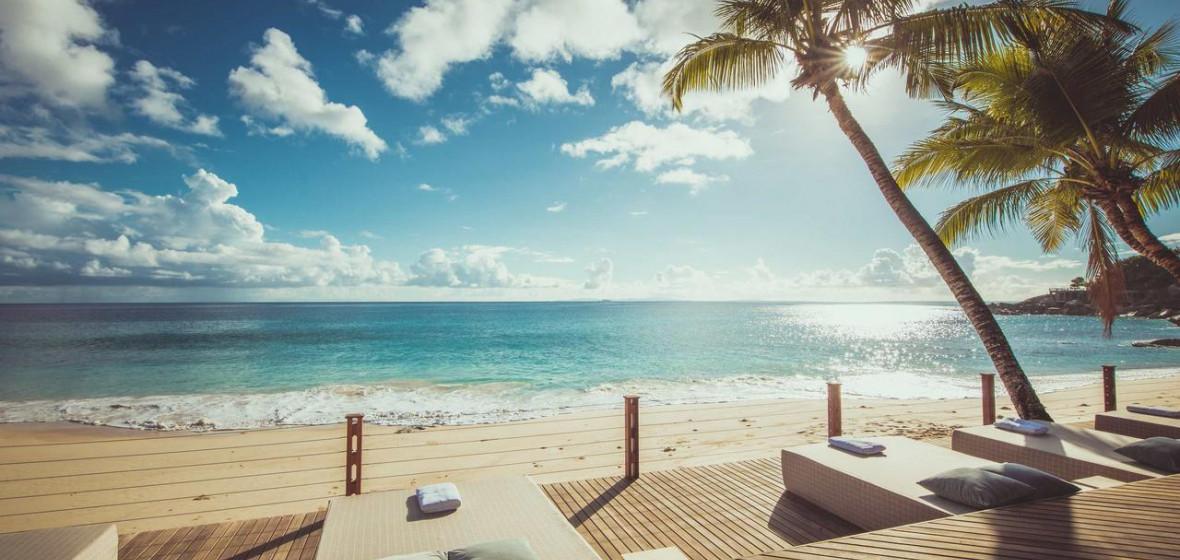 Photo of Carana Beach Hotel
