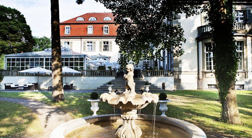 schlosshotel im grunewald berlin germany the hotel guru. Black Bedroom Furniture Sets. Home Design Ideas